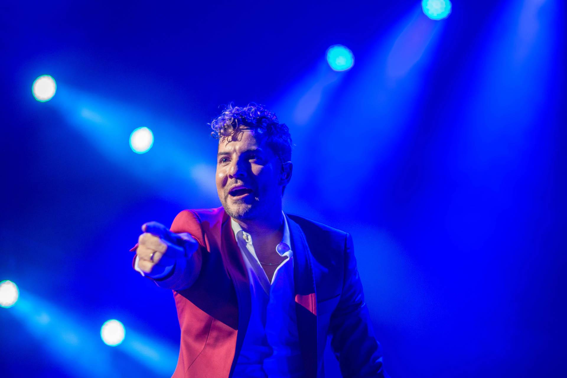 David Bisbal llegó con su potente voz y espectacular baile a Movistar Arena